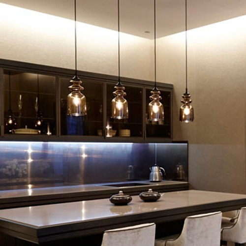 How to Choose Pendant Lights for a Kitchen Island