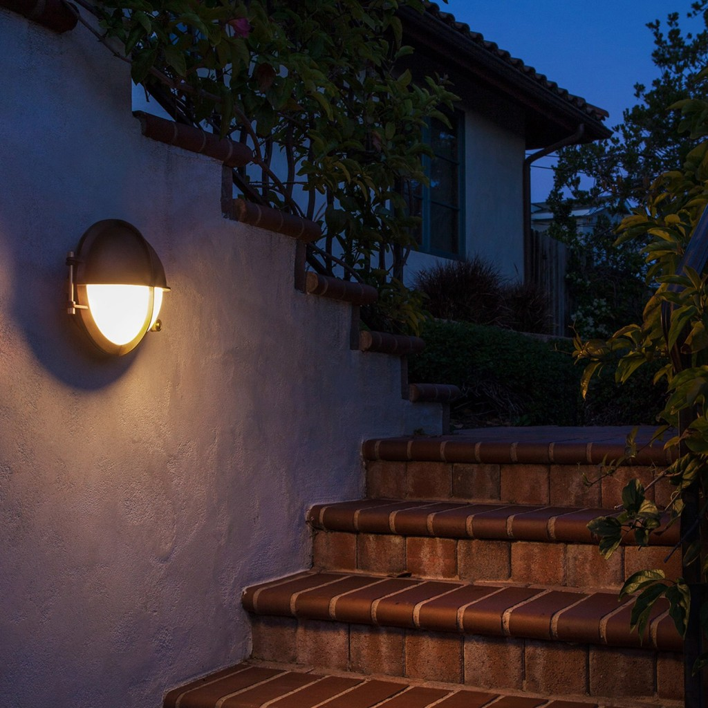 How to choose modern outdoor lighting design necessities for Landscape lighting products