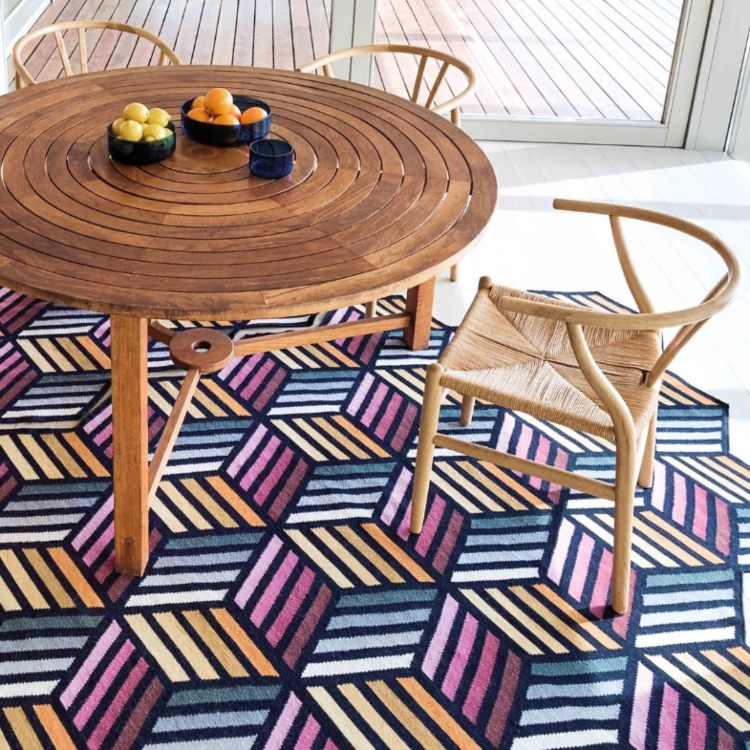 bright and reversible rug.